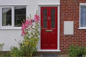 Saugių durų įrengimas