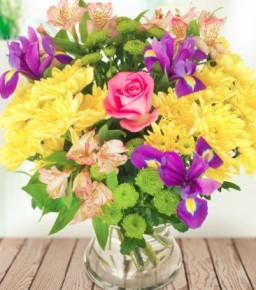 Margų gėlių puokštė